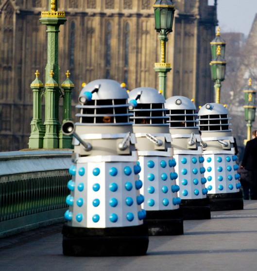 cult-doctor-who-daleks-westminster-bridge-9